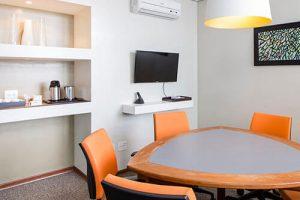 Sala Reunião 6 pessoas moderna